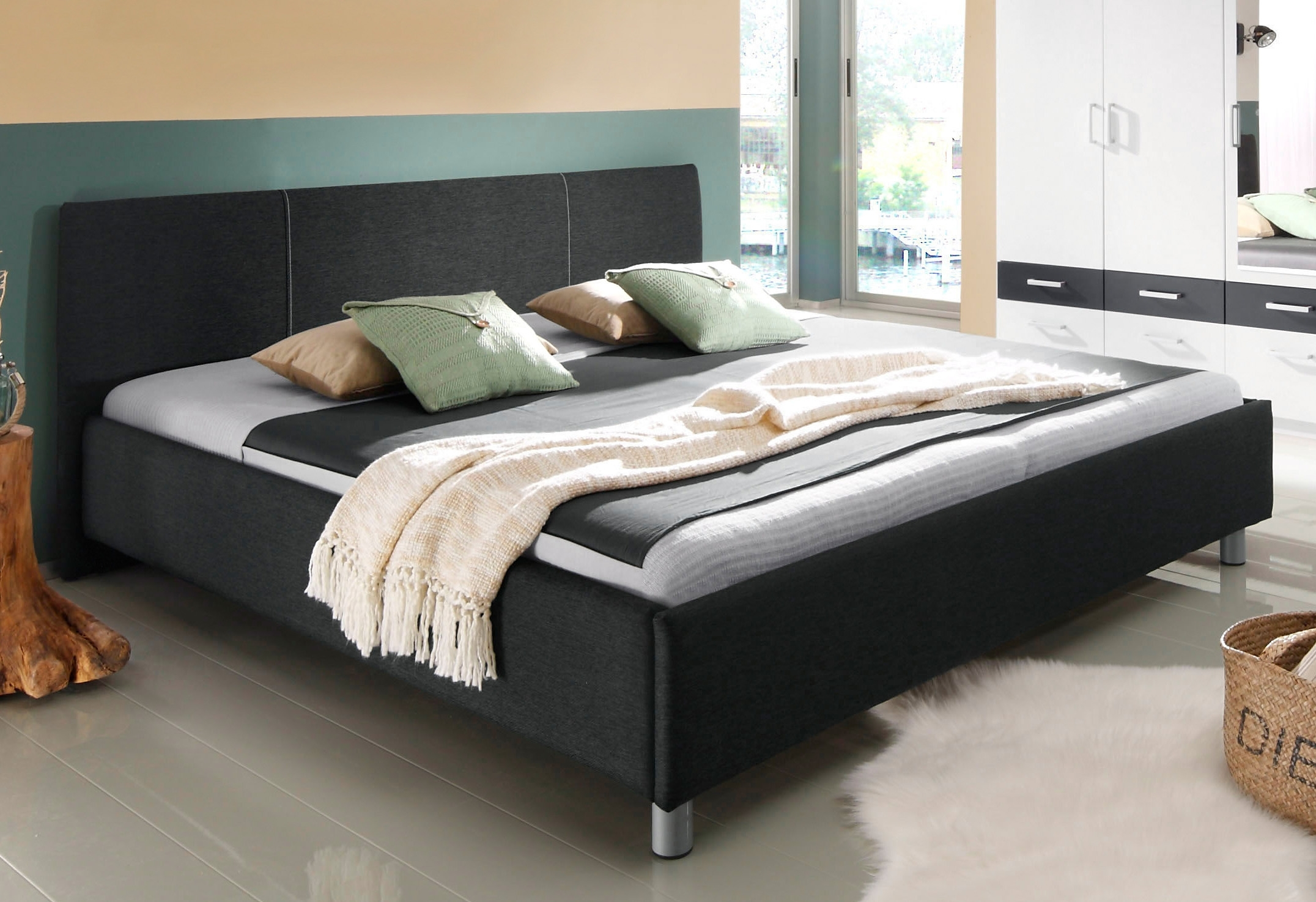 bed met metalen poten makkelijk gevonden otto. Black Bedroom Furniture Sets. Home Design Ideas