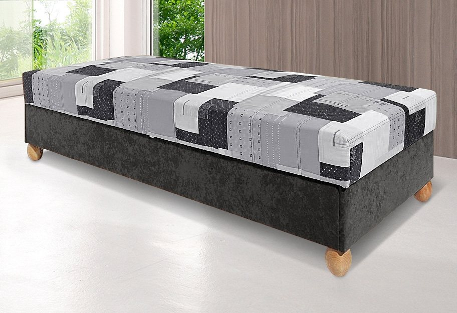 Bed, BRECKLE