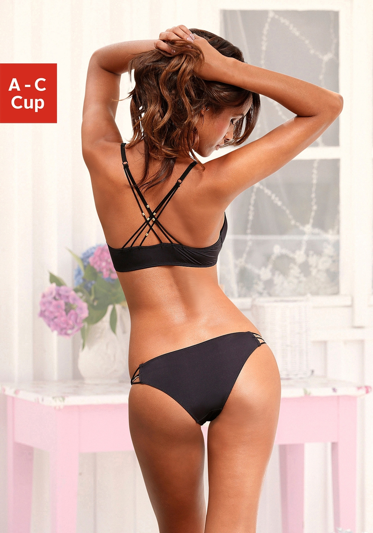 LASCANA VIVANCE Set van push-up-BH + string nu online bestellen