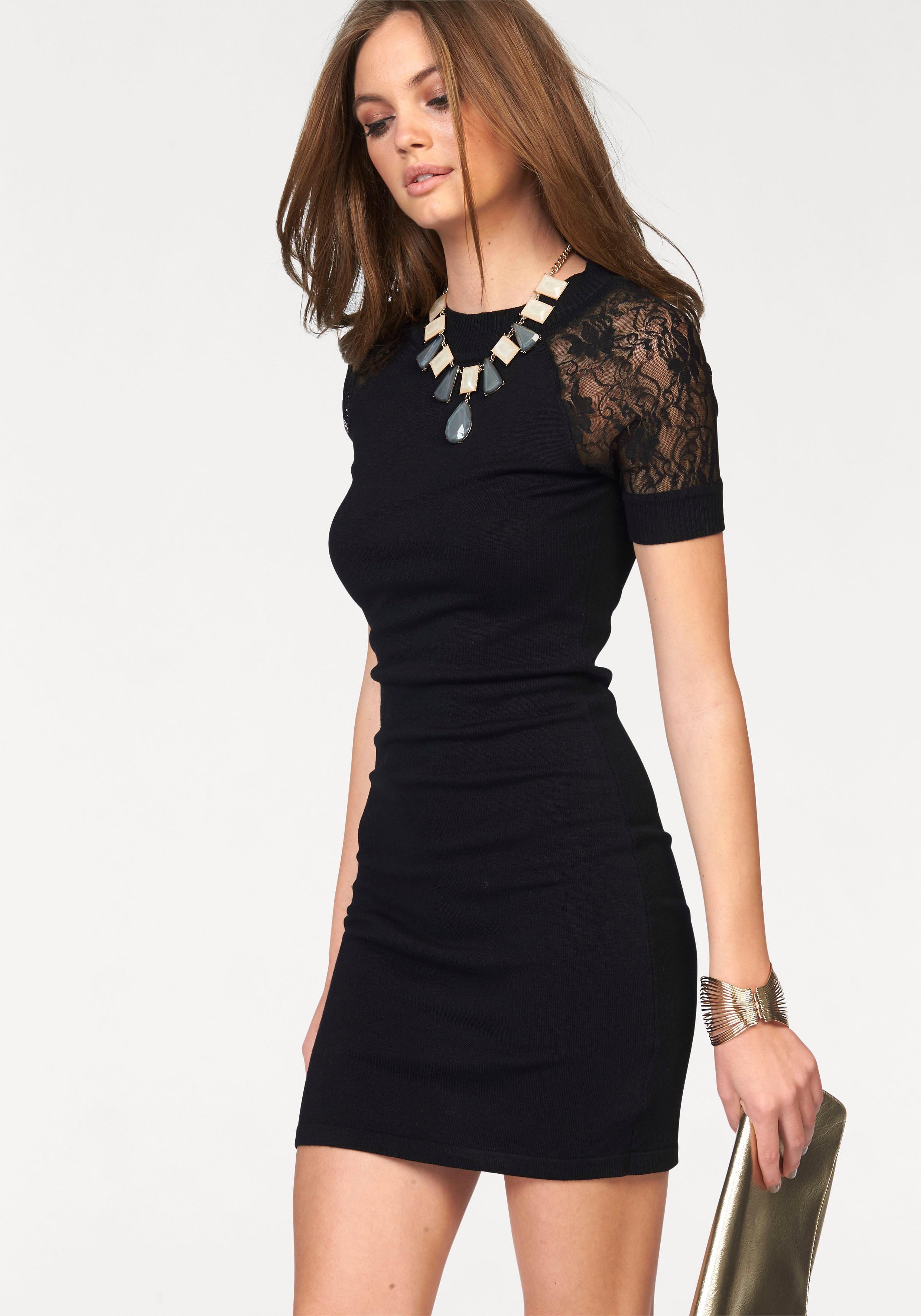 Zwarte jurk kanten mouwen