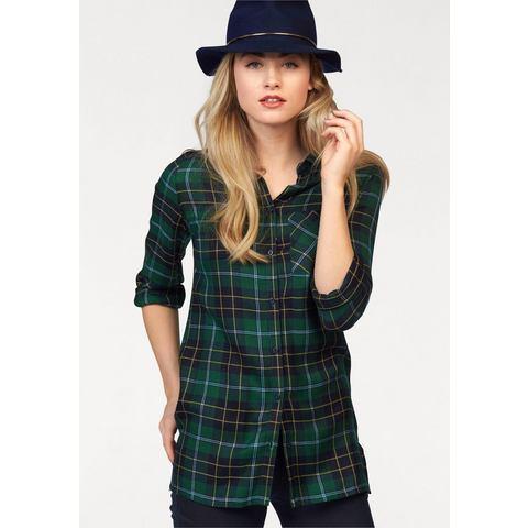 AJC blouse in lang model