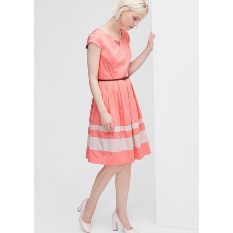 Picture s.Oliver Uitlopende jurk van satijn rood 086740