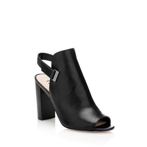 Schoen: GUESS sandaaltjes BAYO van leer