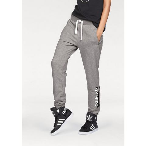NU 15% KORTING: ADIDAS ORIGINALS joggingbroek »REGULAR CUFFED TRACKPANT«