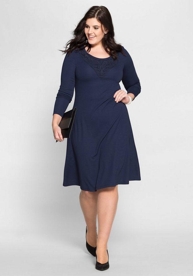 Sheego Style jerseyjurk met gehaakte kant blauw