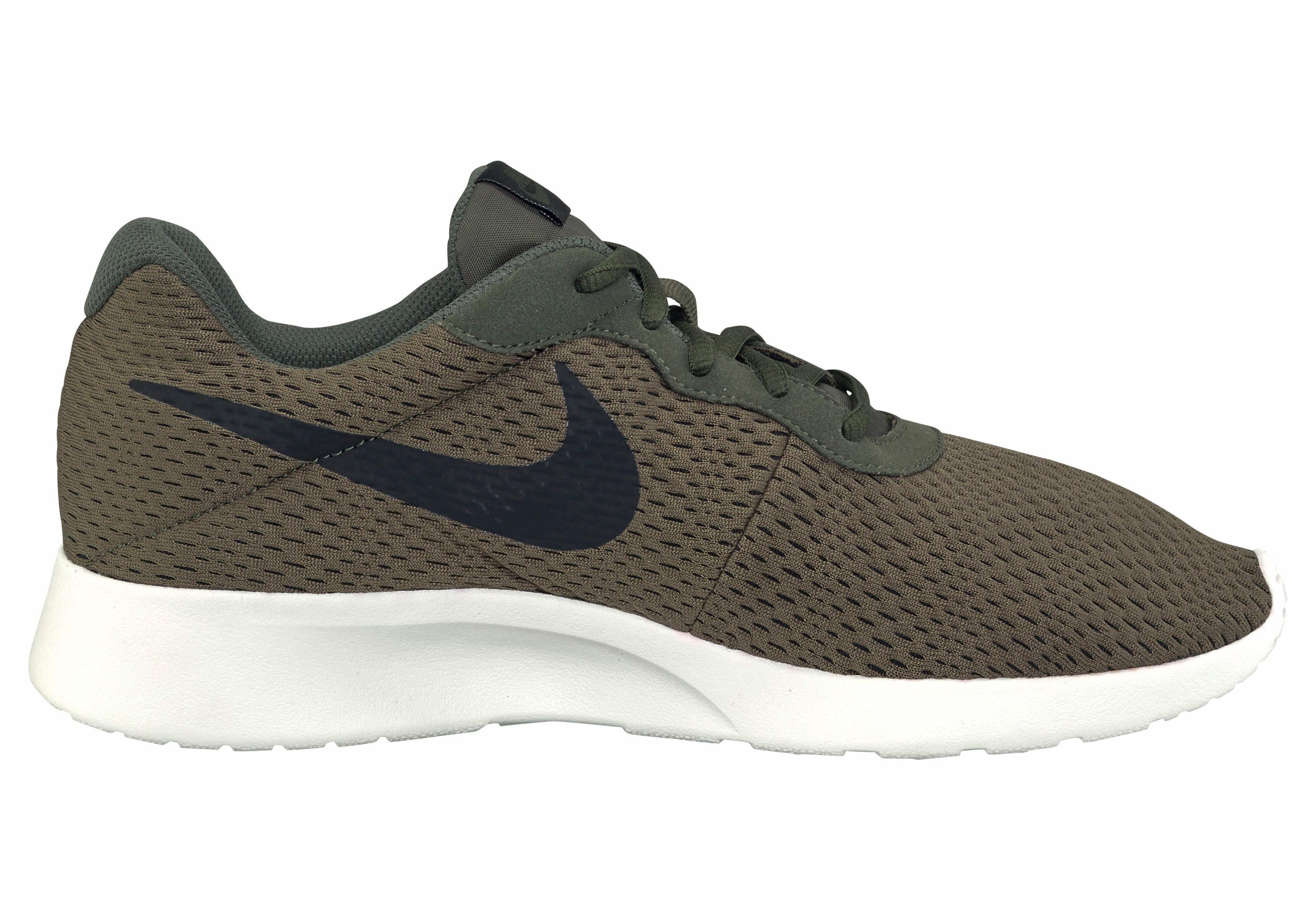 Tanjun Chaussures Vert Nike Pour Les Hommes bgo8r8yzC