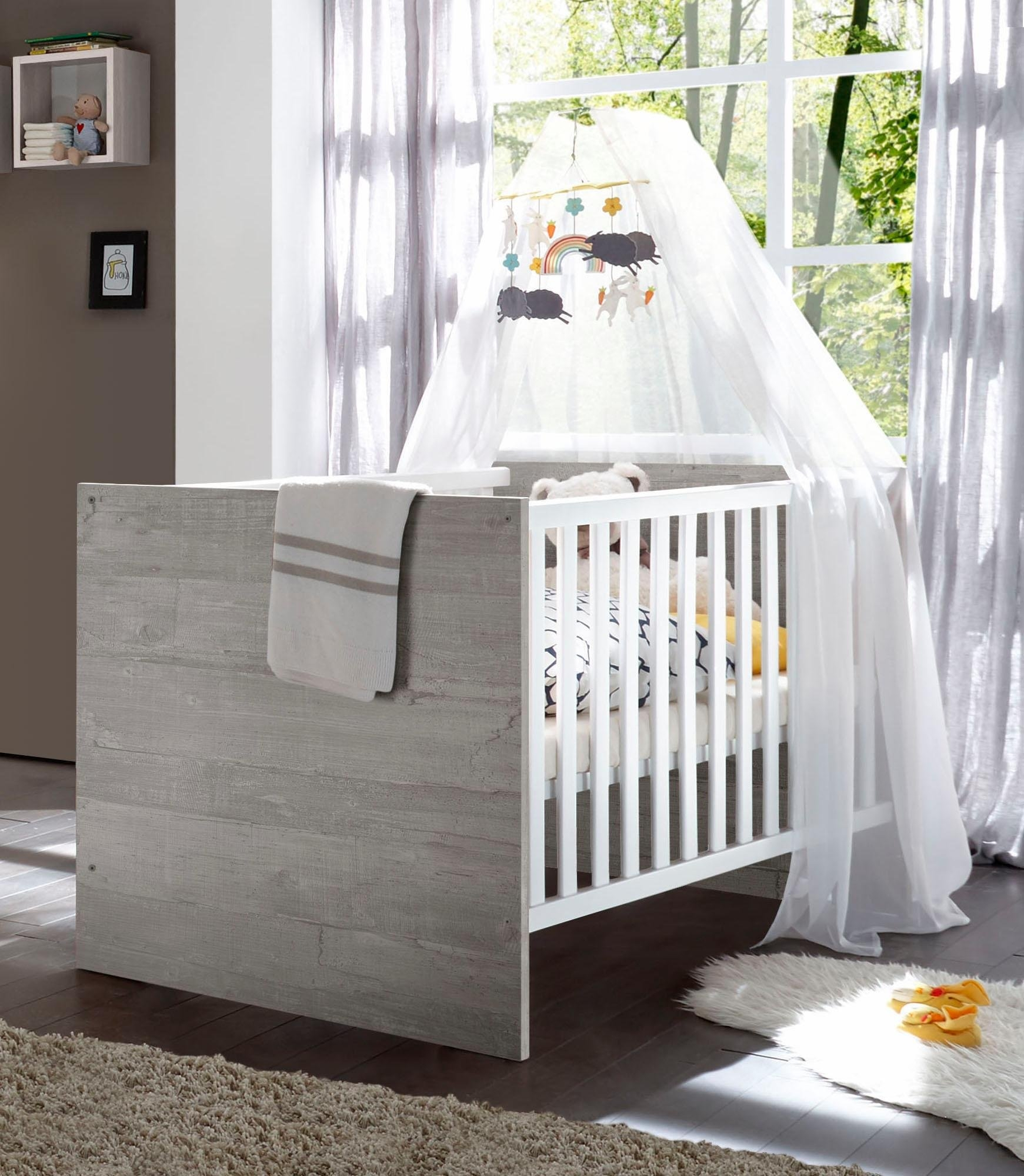 Op zoek naar een Ledikantje passend bij de babymeubelserie »Helsinki«, in vintage-grijs/imitatie-pine wit? Koop online bij OTTO