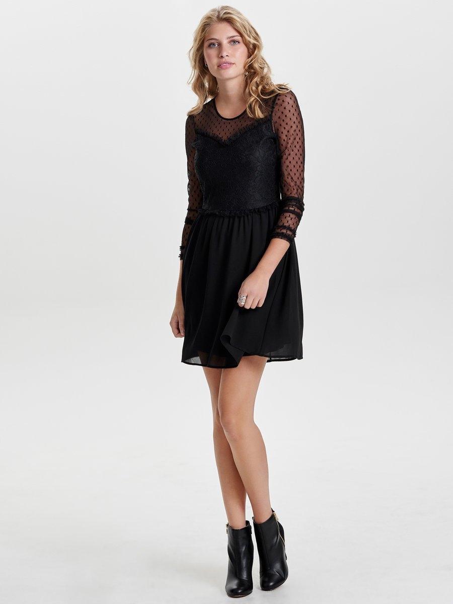 Zwart jurkje met lange mouw