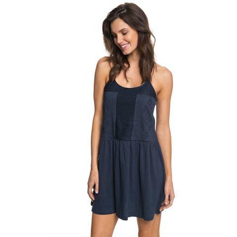 Roxy Strappy Jurk White Beaches, White Beaches - Roxy Lichtgewicht gekreukte stof voor Dames Strappy jurk voor dames. De productkenmerken zijn als volgt: lichtgewicht gekreukte stof, verstelbare banden, borduurwerk op de voorkant enExtra gegevens:Merk : RoxyKleur : blauwVerzendkosten : 3.95Maat/Maten : XS;S;M;L;XLLevertijd : Levertijd: ca. 1 week