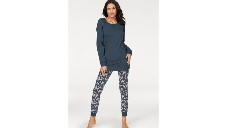 47061a26f14 pyjama met gebloemde broek