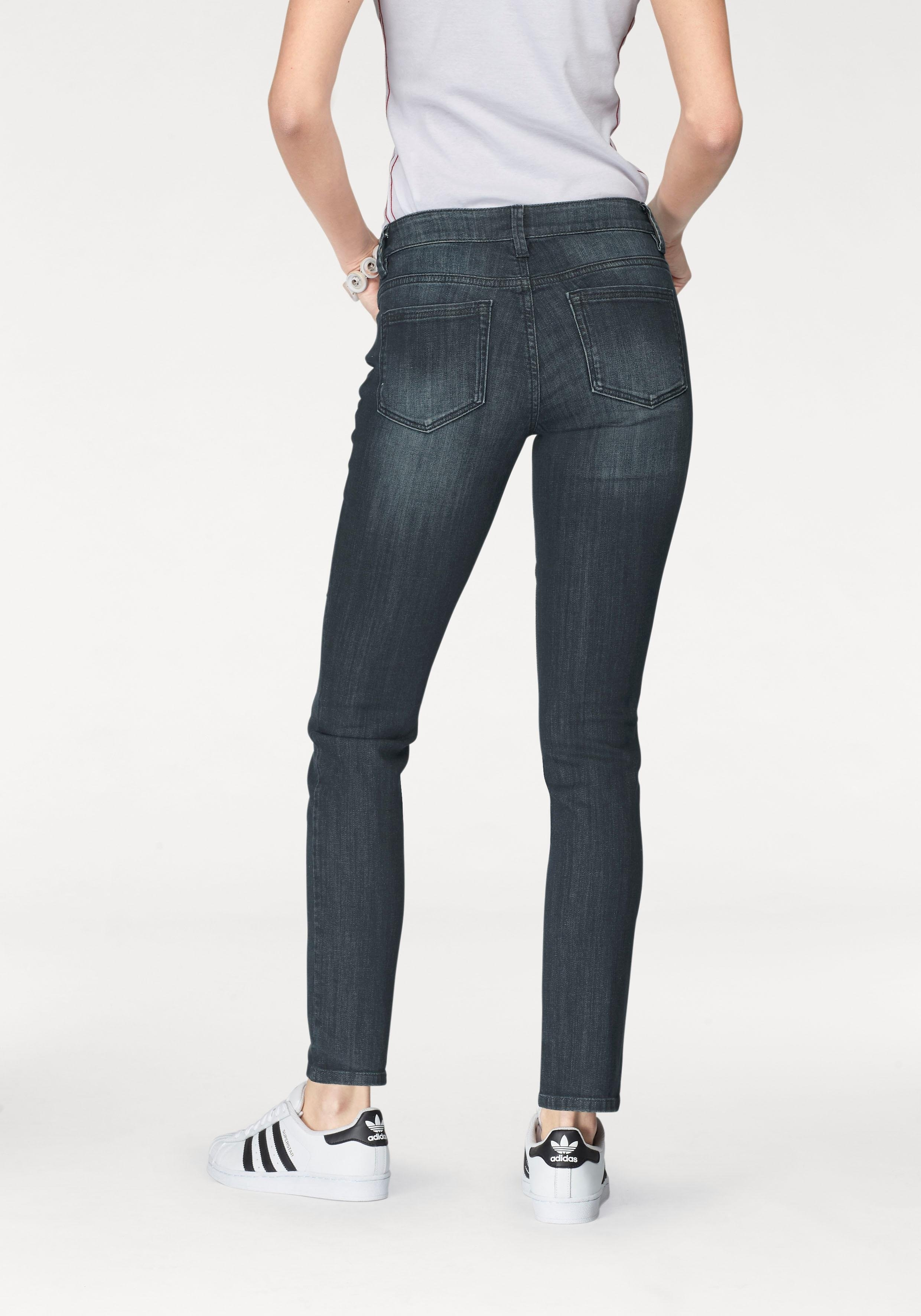 d0450b1ffc9ec8 Afbeeldingsbron  Tom Tailor slim fit jeans »Alexa«