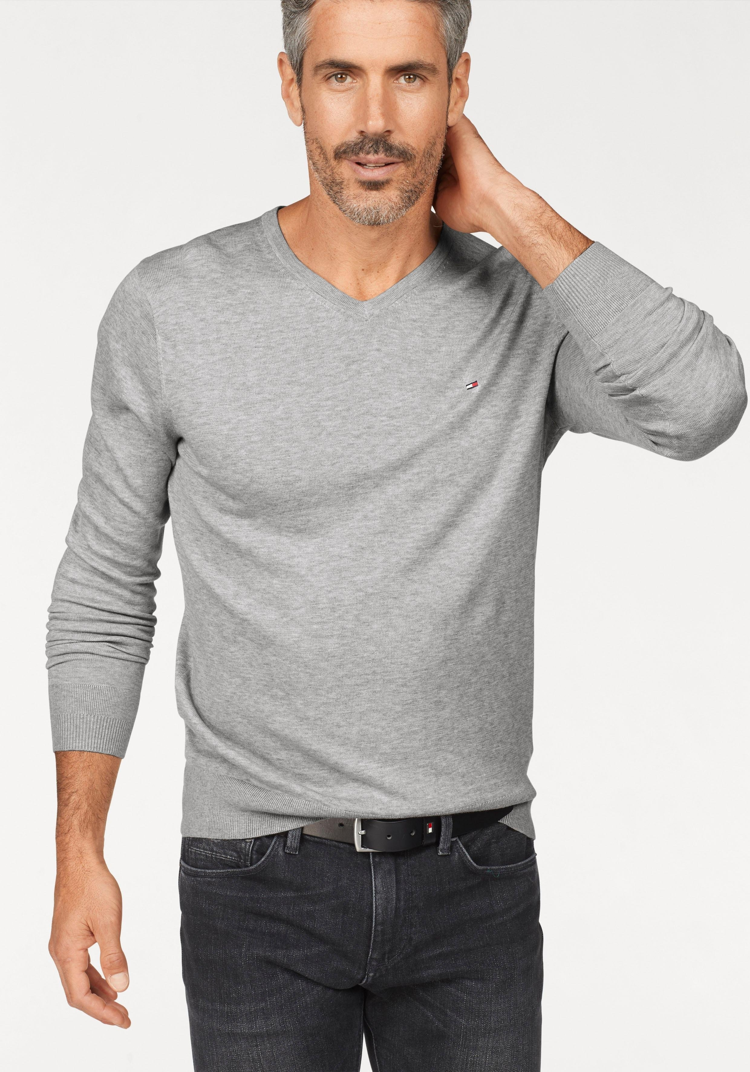 Op zoek naar een TOMMY HILFIGER trui met V-hals »CORE COTTON-SILK VNECK«? Koop online bij OTTO