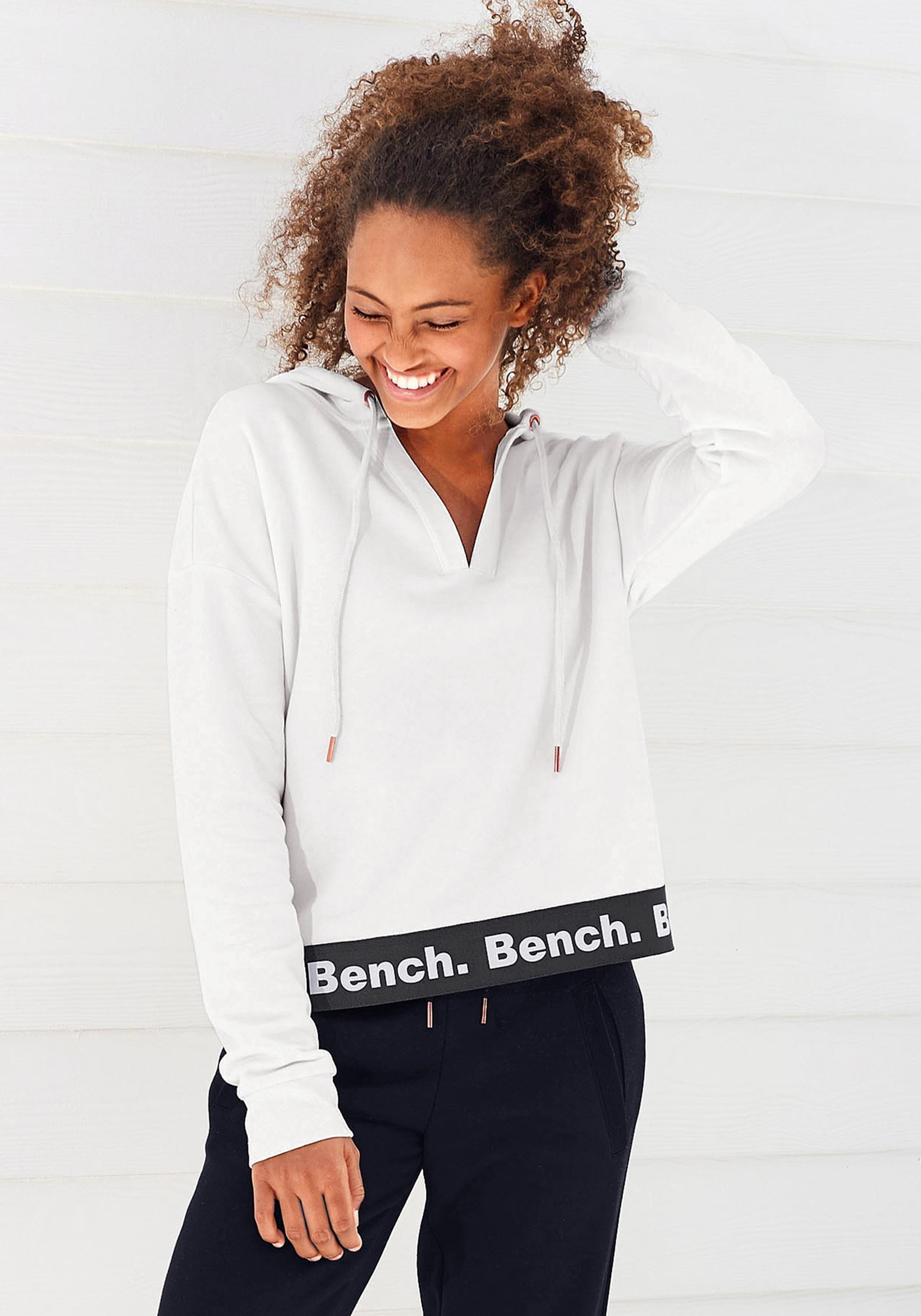 Bench. capuchonsweatshirt in een iets kortere lengte - verschillende betaalmethodes
