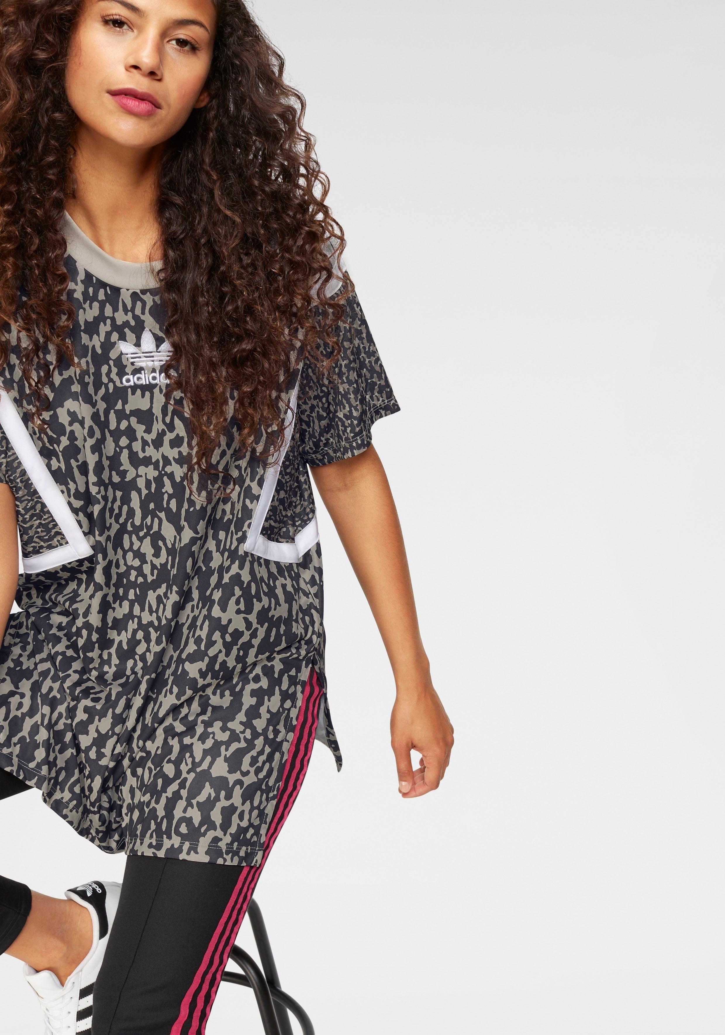 Afbeeldingsbron  adidas Originals T-shirt »LEOFLAGE OVERSIZED TREFOIL TEE« 2796d6602