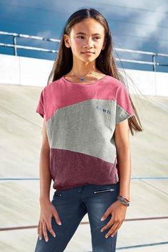 bench. t-shirt multicolor