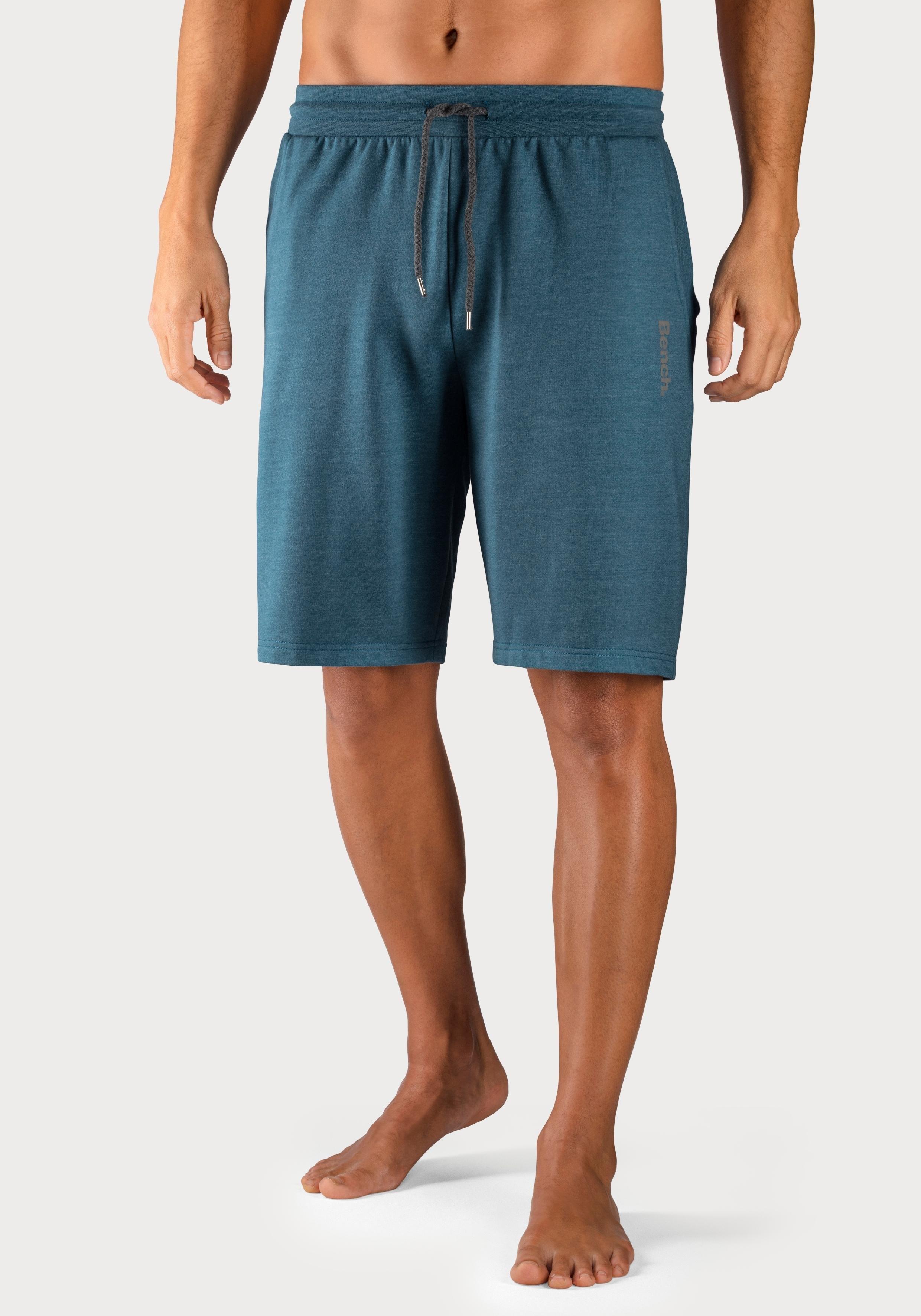 Bench. sweatshort met zakken opzij in de webshop van OTTO kopen