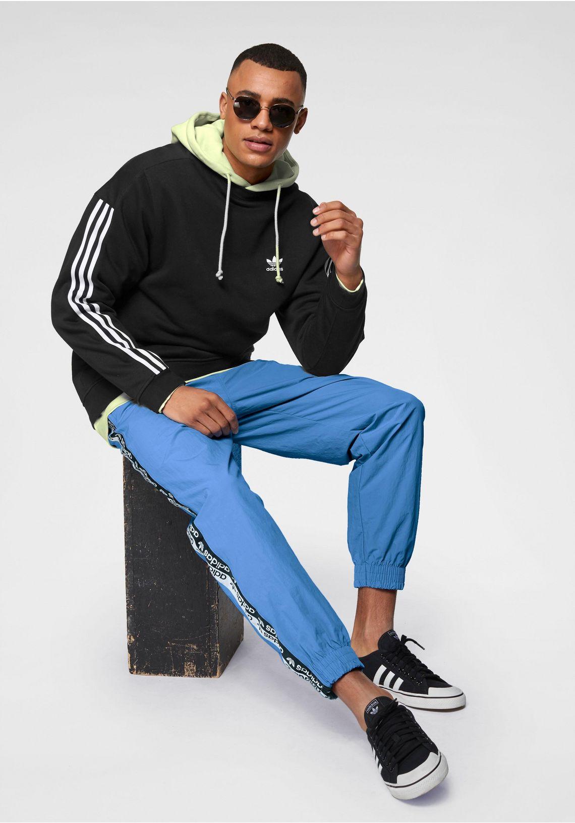 adidas Originals hoodie  VOCAL D HOODY vind je bij  groengeel