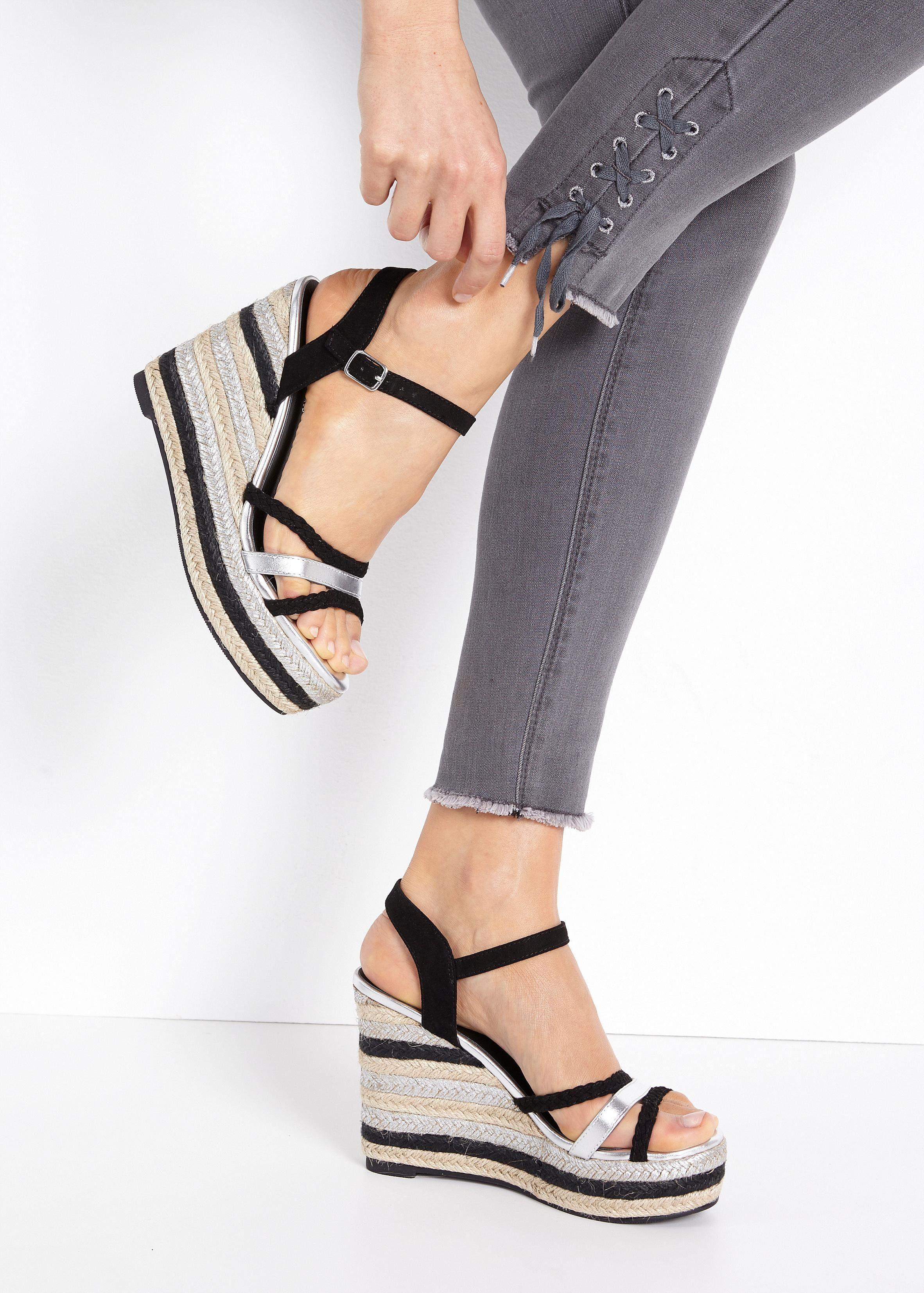 Lascana Sandaaltjes Met Sleehak In De Online Winkel - Geweldige Prijs