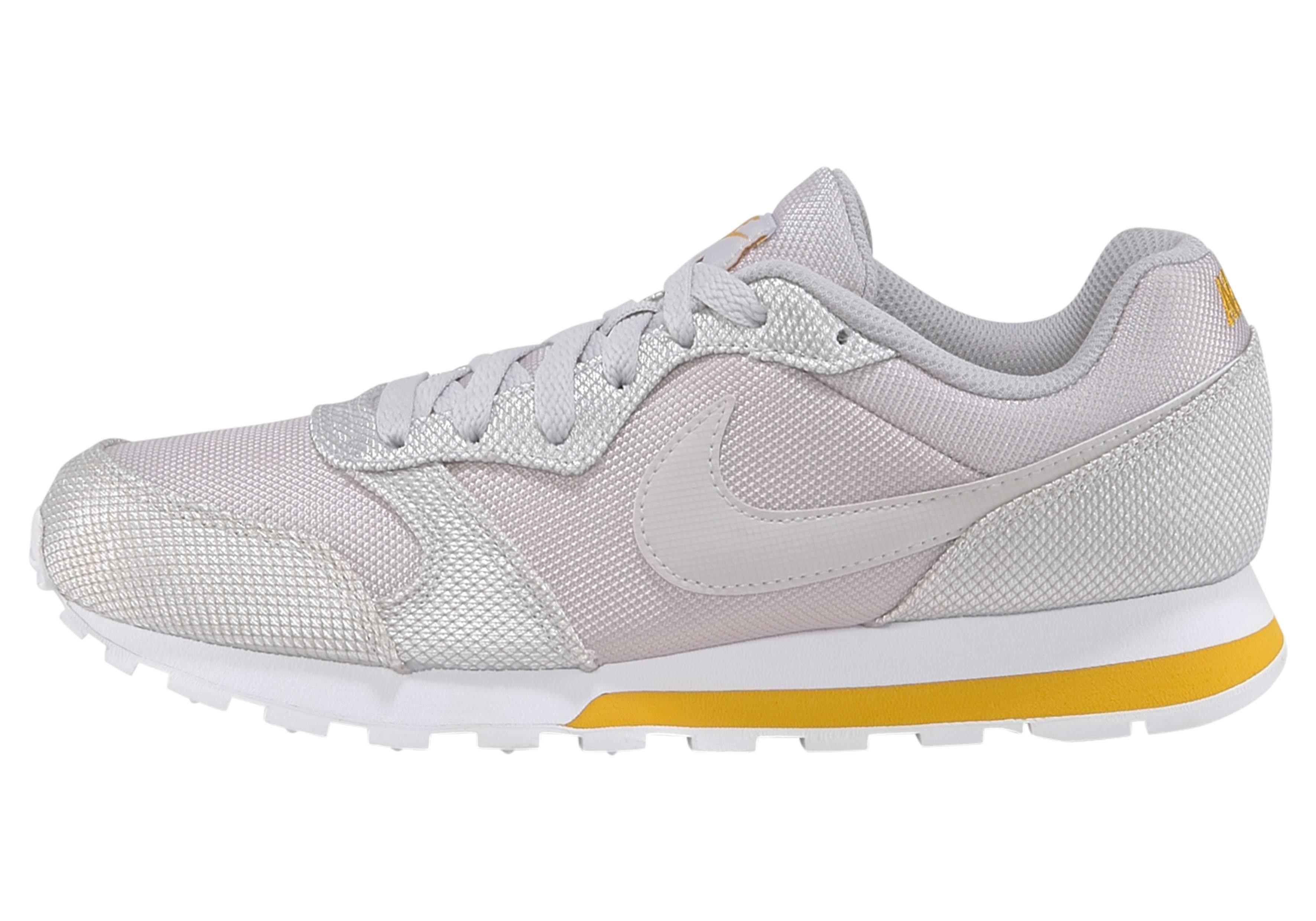 Nike Sportswear sneakers »MD Runner 2 SE Wmns«
