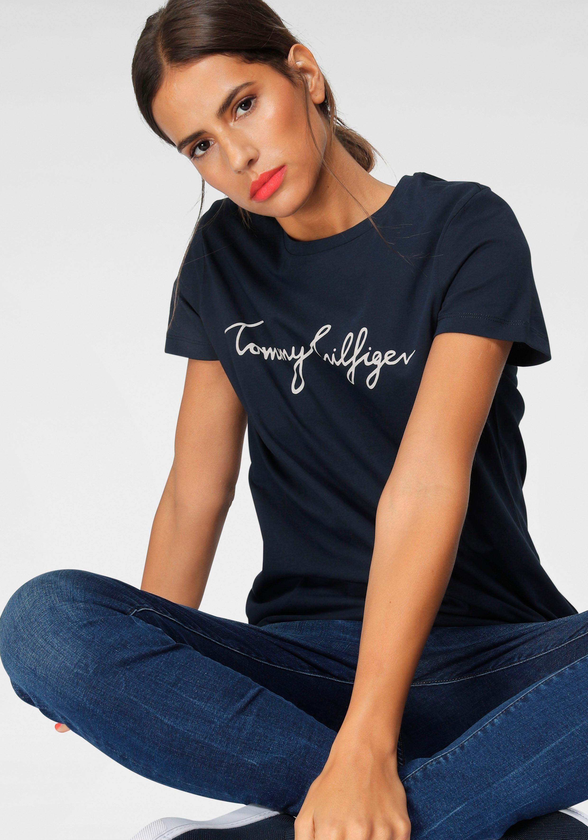 Tommy Hilfiger T-shirt HERITAGE CREW NECK GRAPHIC TEE met tommy hilfiger script-logo-opschrift & merklabel bij de zoom online kopen op otto.nl