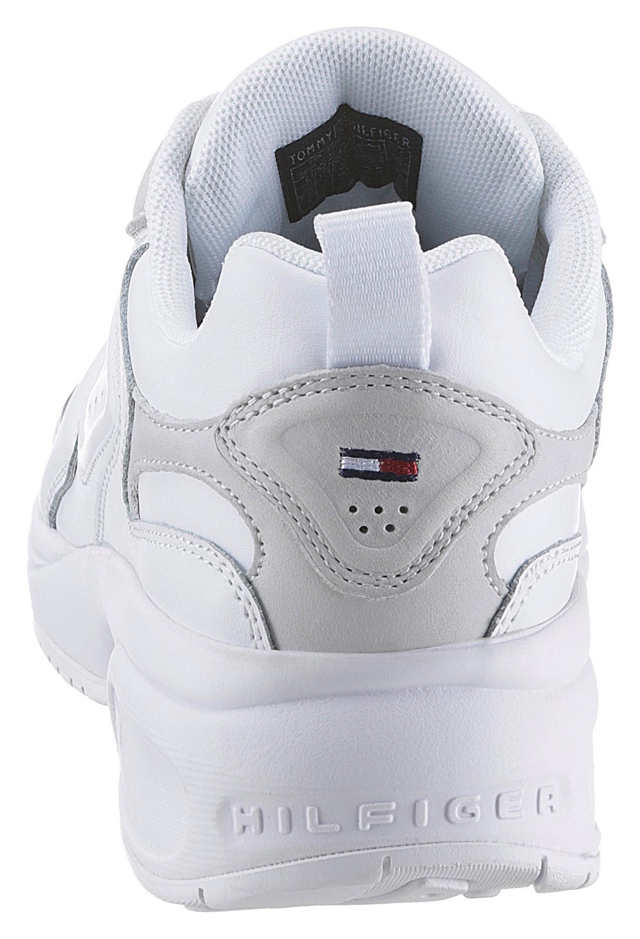 Op zoek naar een TOMMY JEANS sneakers met sleehak »WMN HERITAGE TOMMY JEANS SNEAKER«? Koop online bij OTTO