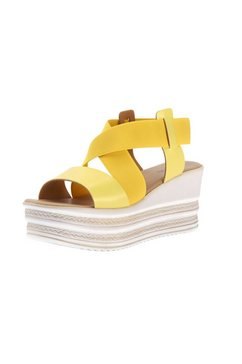sandaaltjes met sleehak geel
