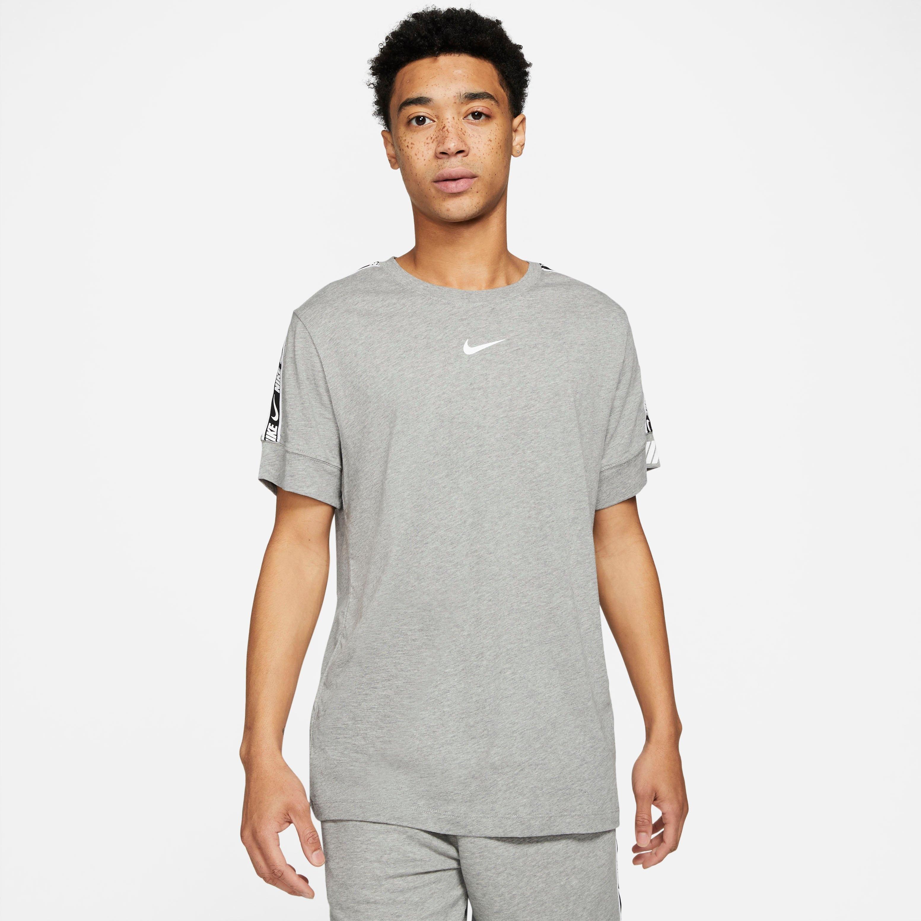 Nike Sportswear T-shirt Repeat Shortsleeve Tee nu online bestellen