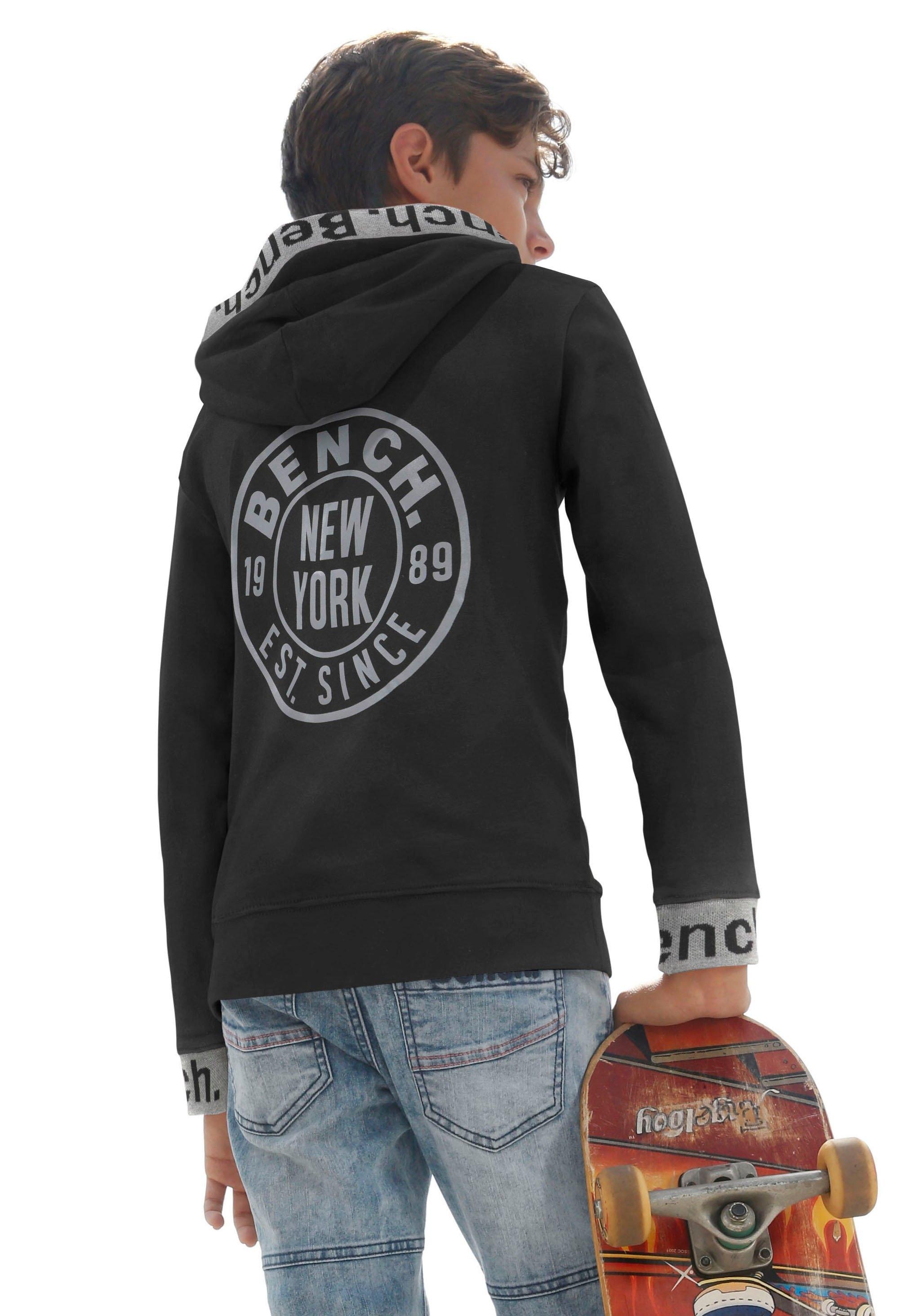 Bench. hoodie met reflecterende prints in de webshop van OTTO kopen