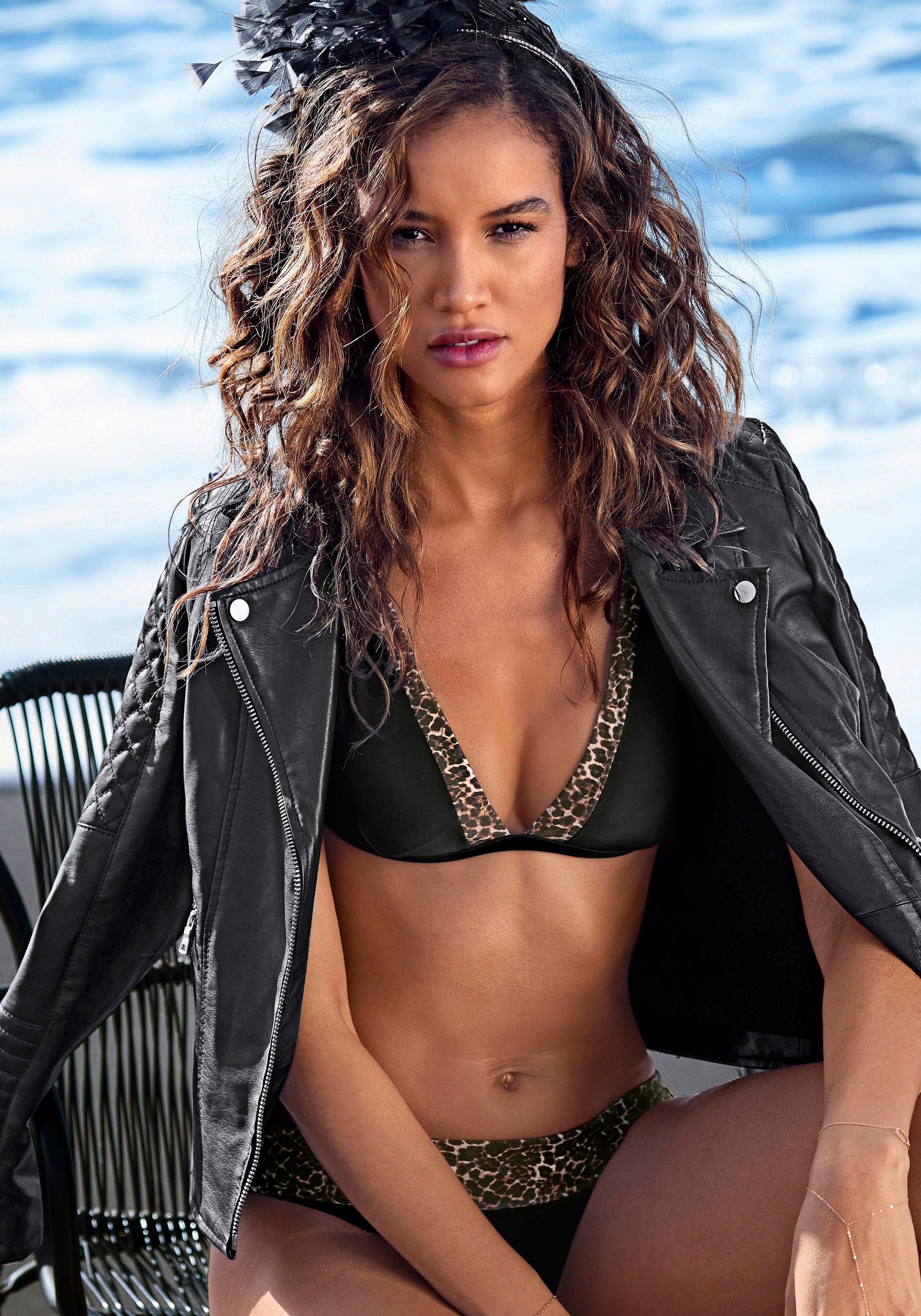 Lascana triangel-bikinitop ADELE met trendy details nu online kopen bij OTTO