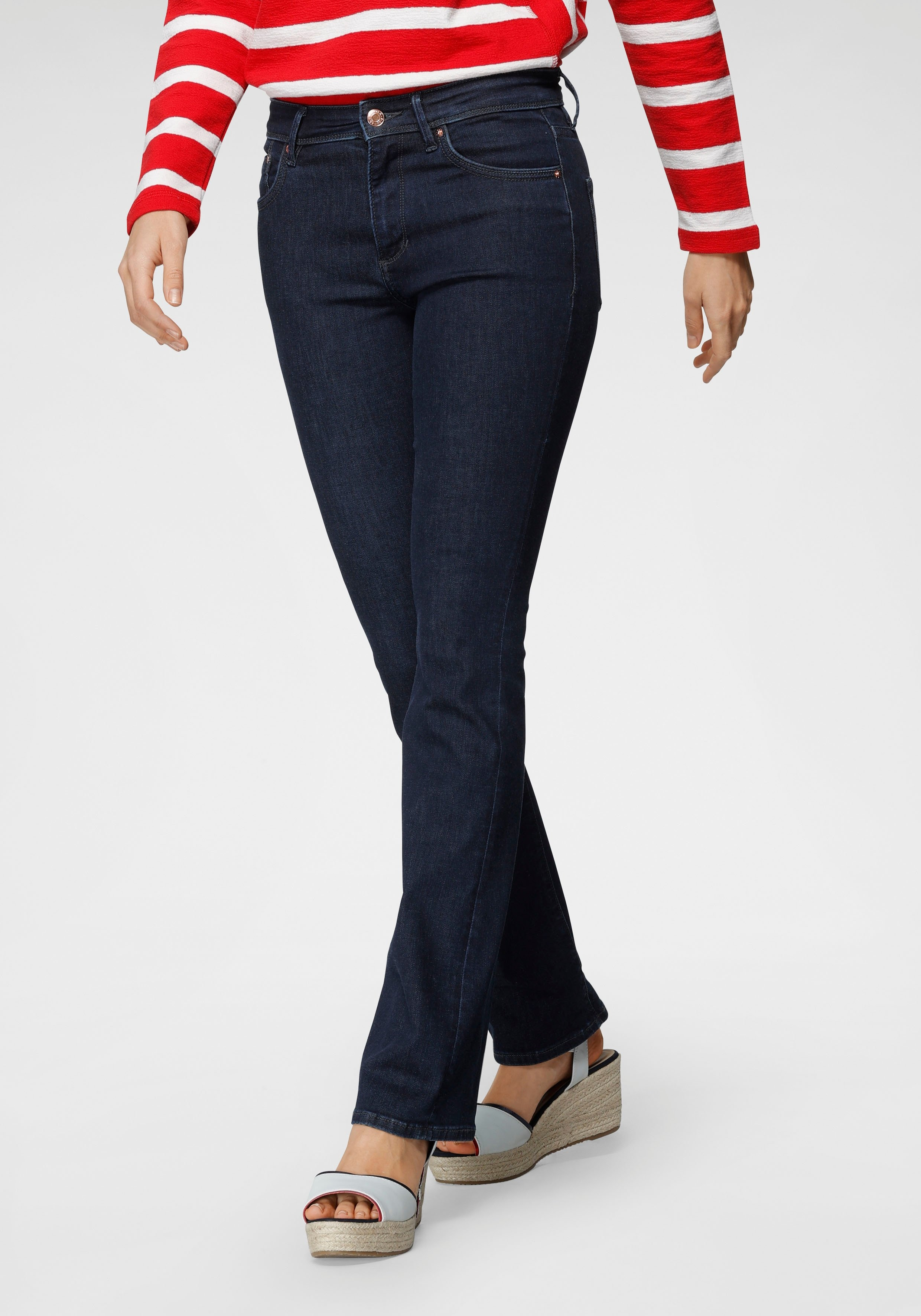 Op zoek naar een s.Oliver bootcut jeans BETSY? Koop online bij OTTO