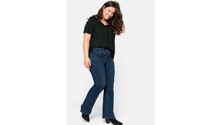 Sheego bootcut jeans in five-pocketsmodel, met contrastnaden