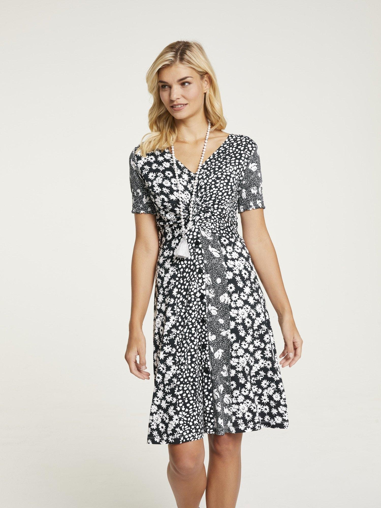 Op zoek naar een LINEA TESINI by Heine gedessineerde jurk in knoopoptiek? Koop online bij OTTO