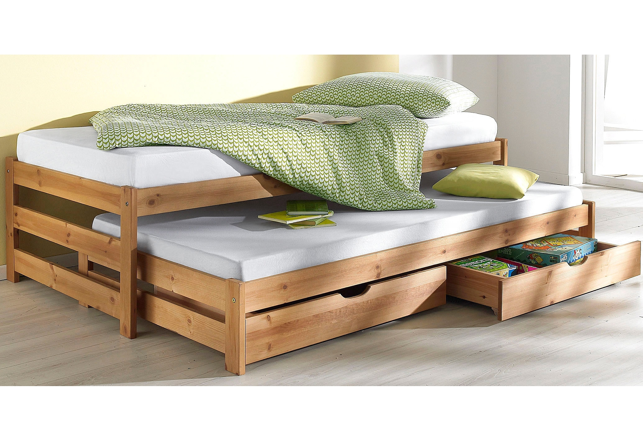 Bed met 2e slaapgelegenheid - verschillende betaalmethodes