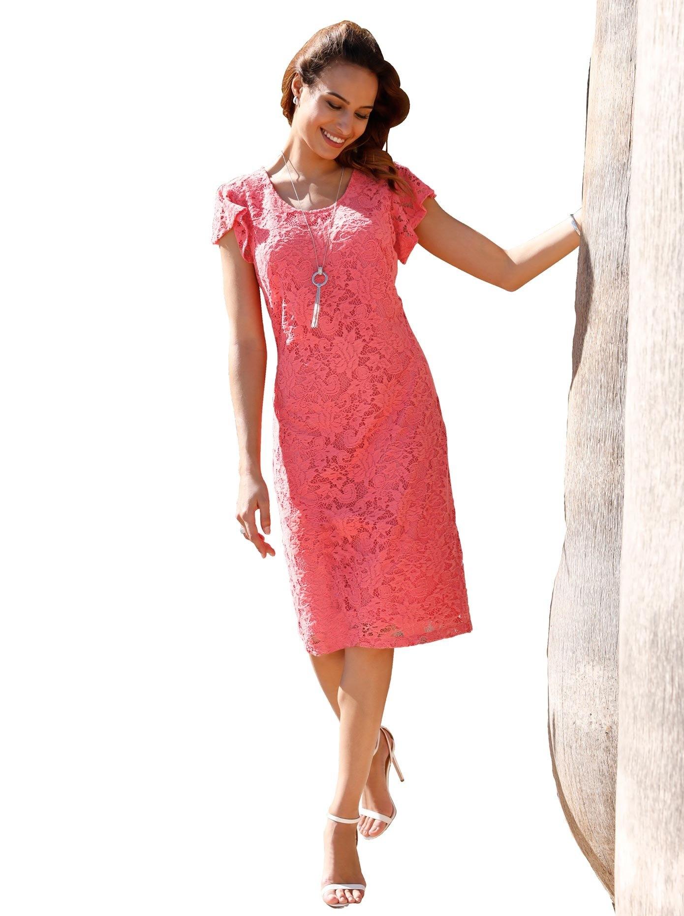 Lady jurk met chique, prettig zachte kant all-over nu online bestellen