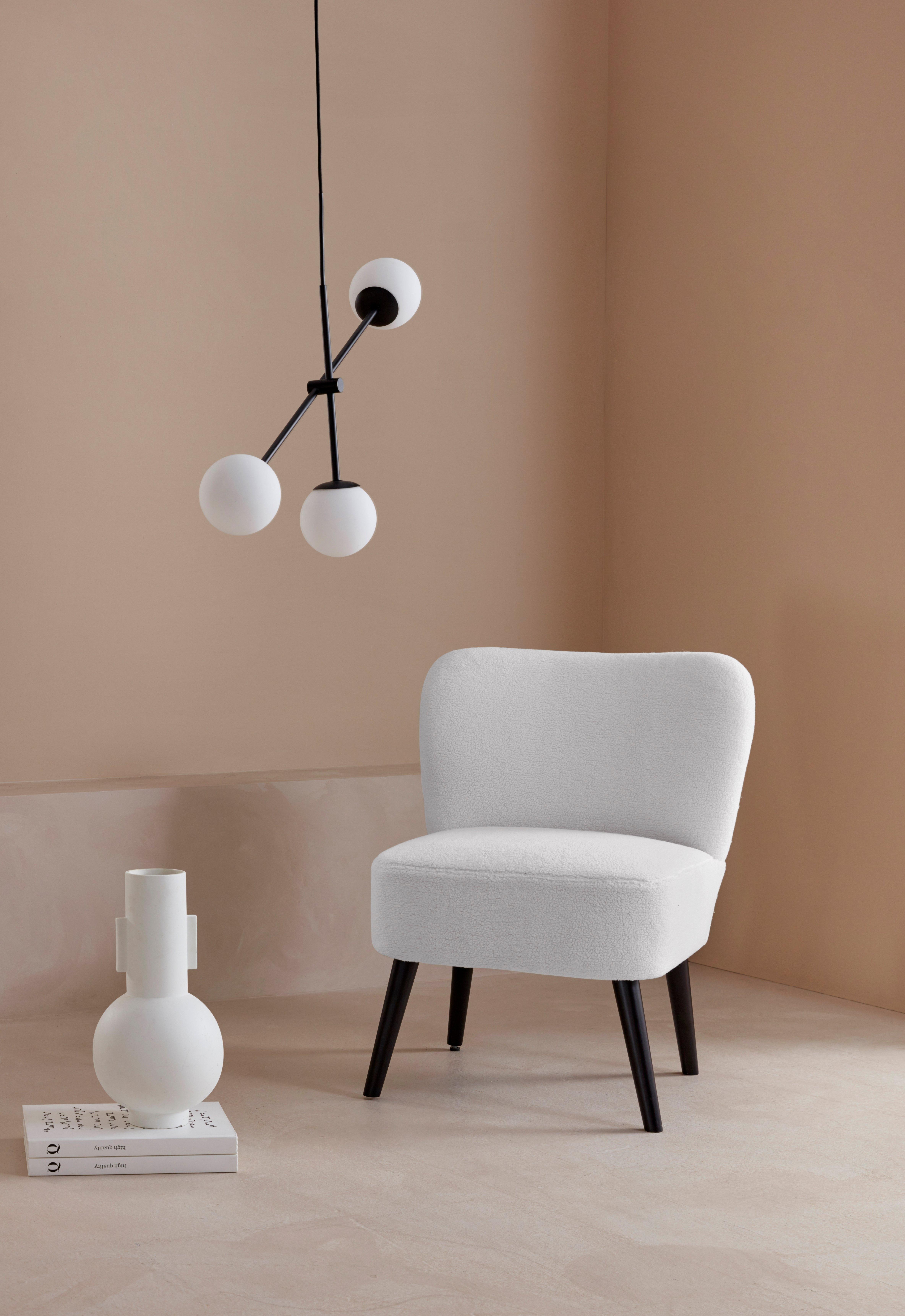 Op zoek naar een LeGer Home by Lena Gercke fauteuil Noabelle met houten poten en een heerlijk zachte luxe-microvezel teddy look overtrekstof, zithoogte 48 cm? Koop online bij OTTO