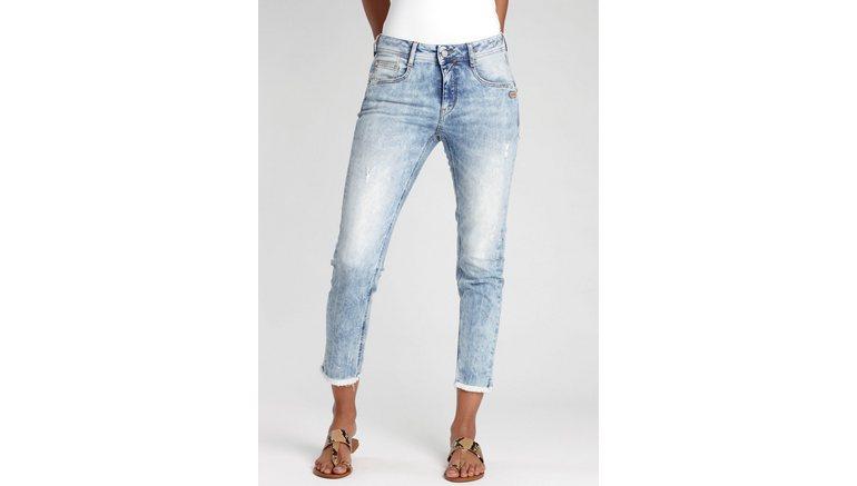 GANG ankle jeans AMELIE-CROPPED met gerafelde rand onder aan de pijpen